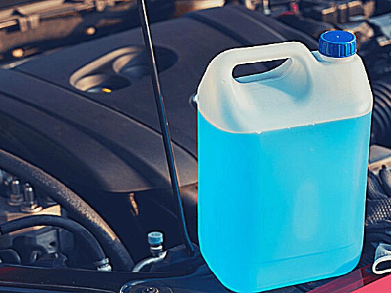 Mantenimiento del vehículo · Los líquidos del motor
