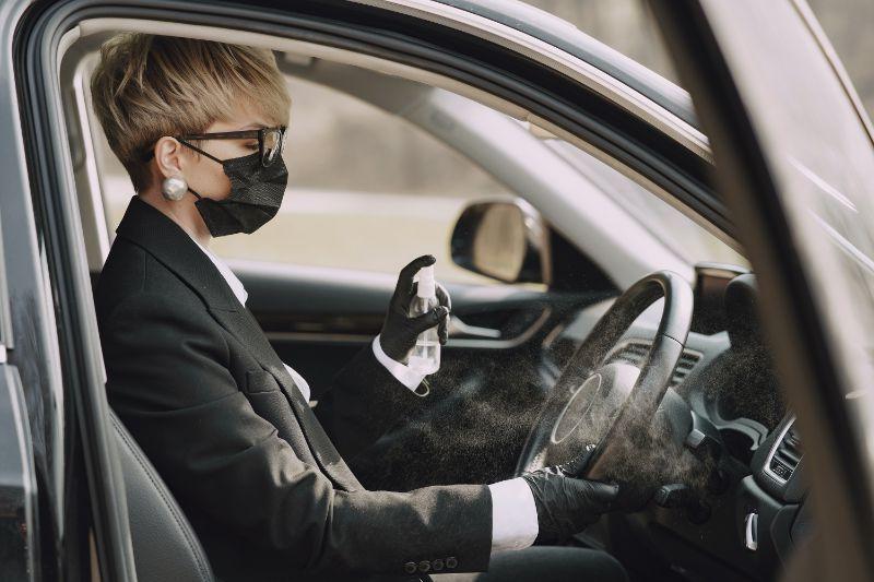 ¿Tengo que usar la mascarilla en el coche?