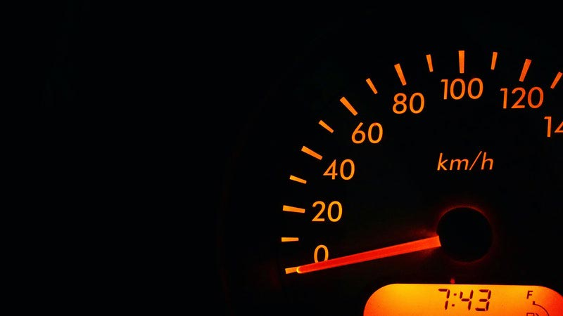 acelerar para limpiar tubos de escape para la prueba de gases de ITV