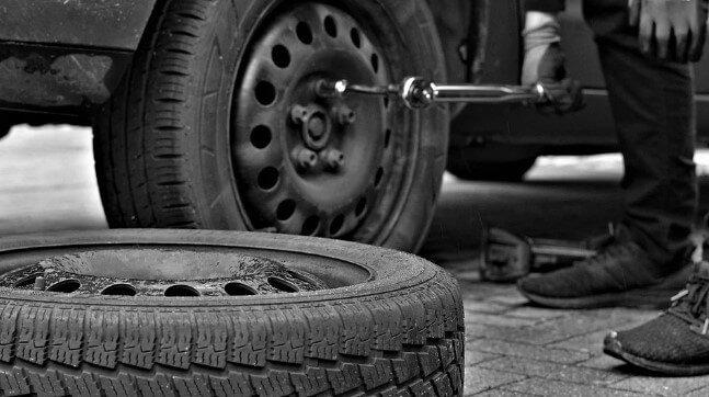 herramientas que no deben faltar en el coche